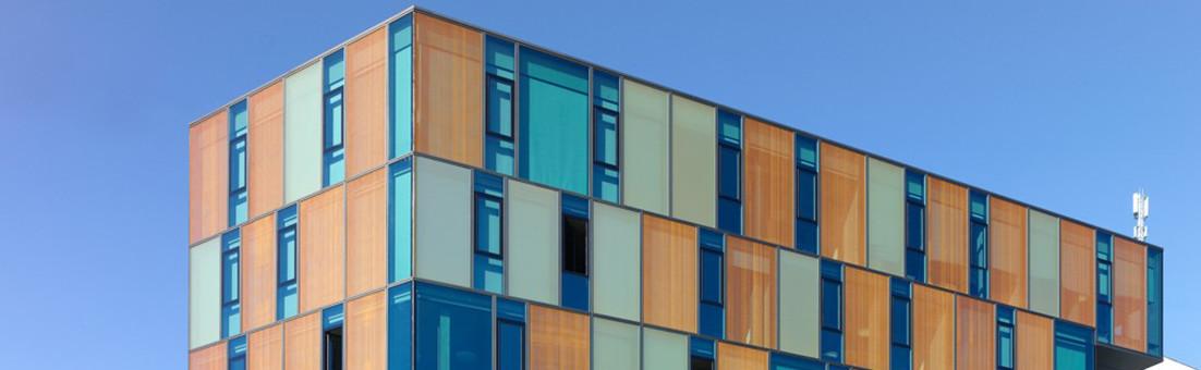 Façade élégante, école professionnelle ACPC à Fribourg